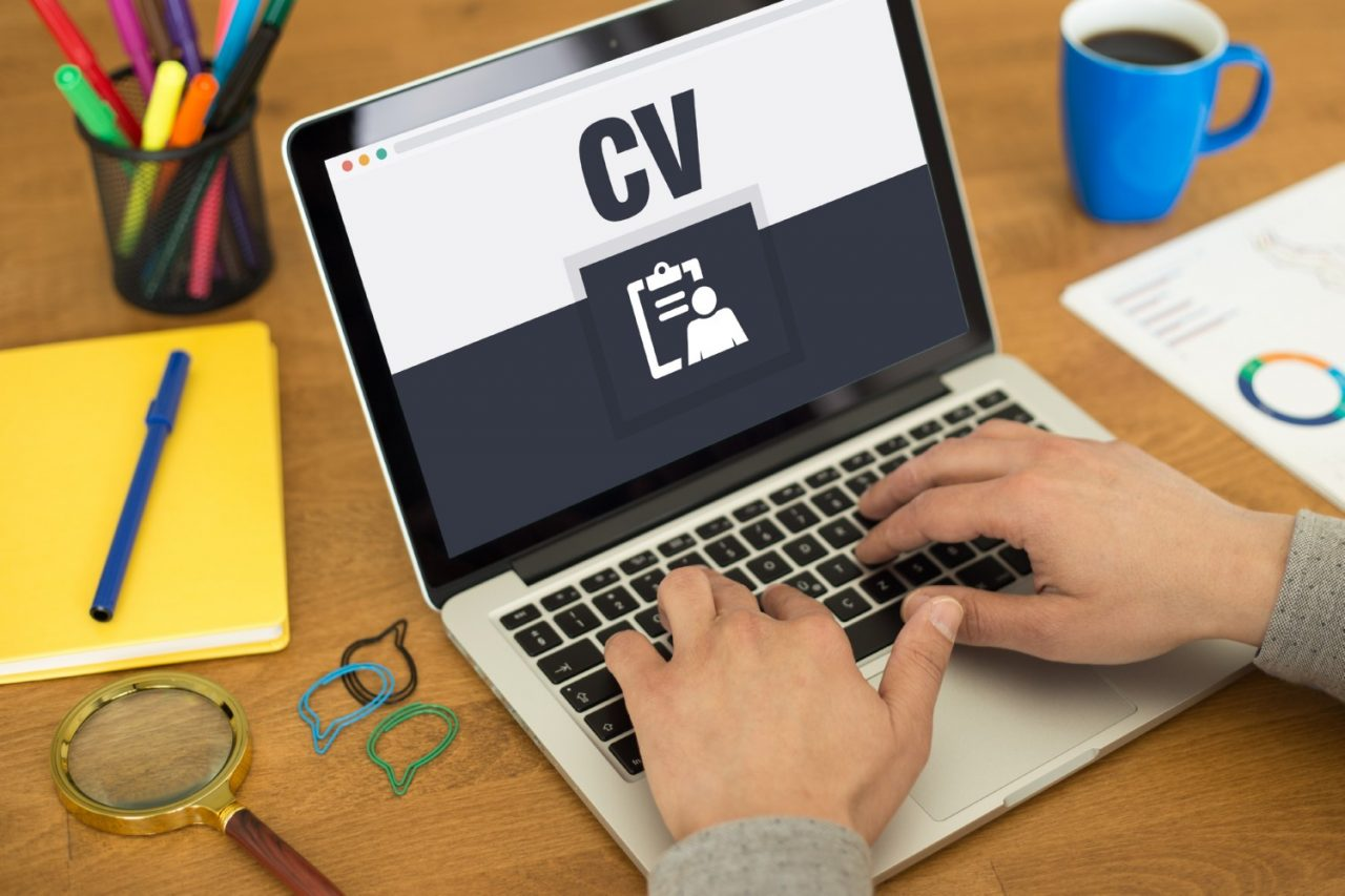 https://evpconnect.pt/wp-content/uploads/2020/04/Services-for-Candidates-CV-Writing-1-1-1280x853.jpg